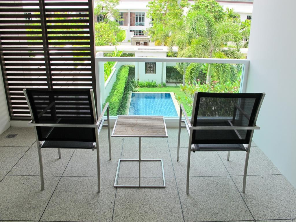 Luxury duplex with a private pool and garden near Bangtao Beach ...